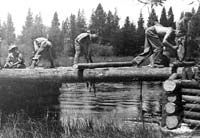 building a bridge across the Deschutes River in Oregon