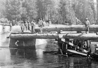 building a bridge by across the Deschutes River in Oregon