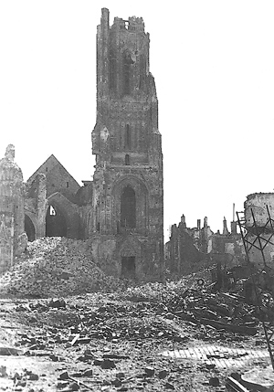 What was left of large church in St Lo after the invasion